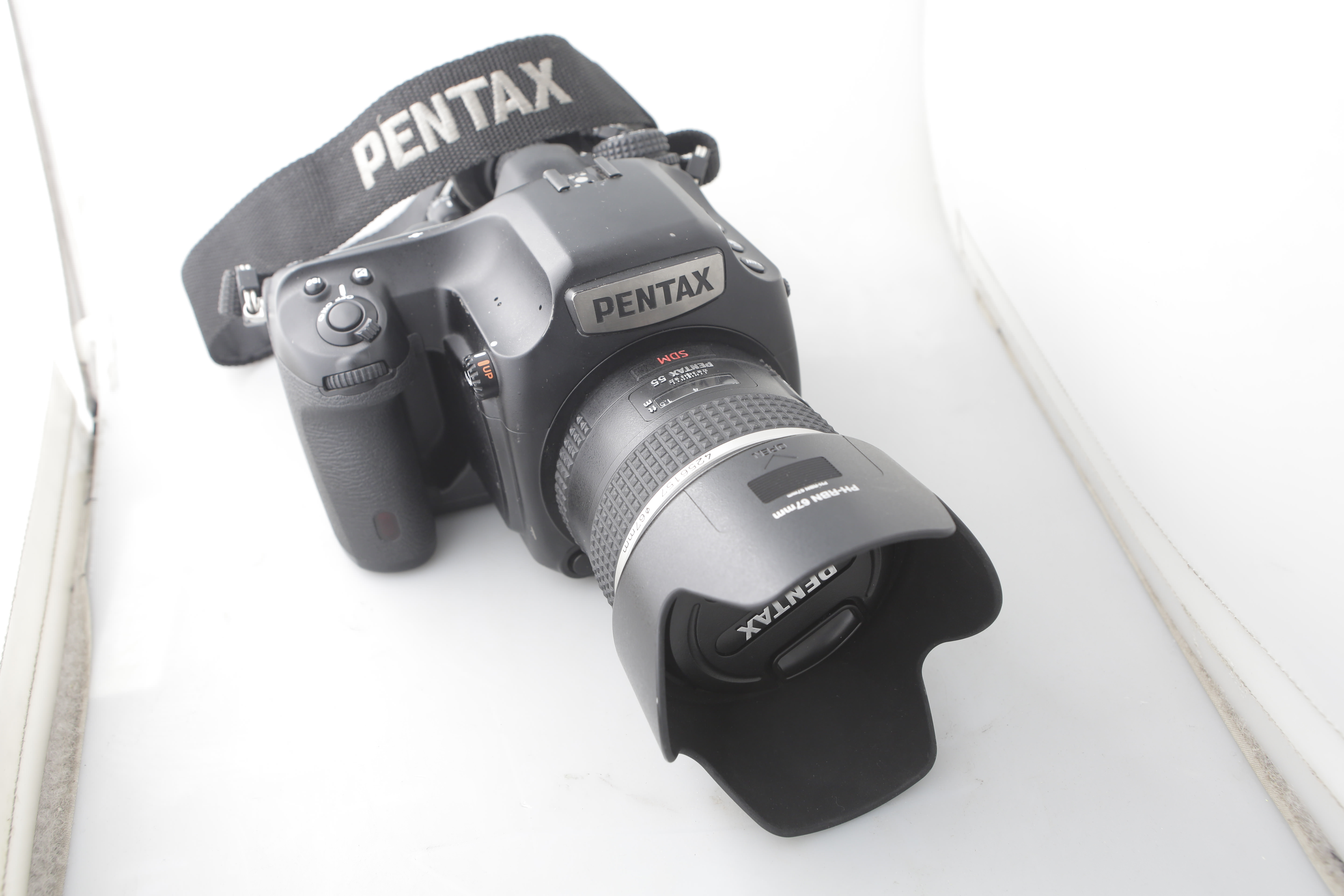 Profoto D1500 Air with Pentax 645 Z Package